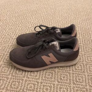 Women's new balance shoes!